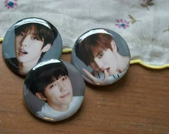 Infinite F pinback button set