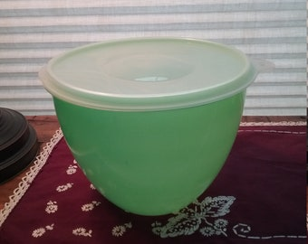 Vintage 1970's Eagle Super Seal Jadeite Green Plastic Lettuce Keeper