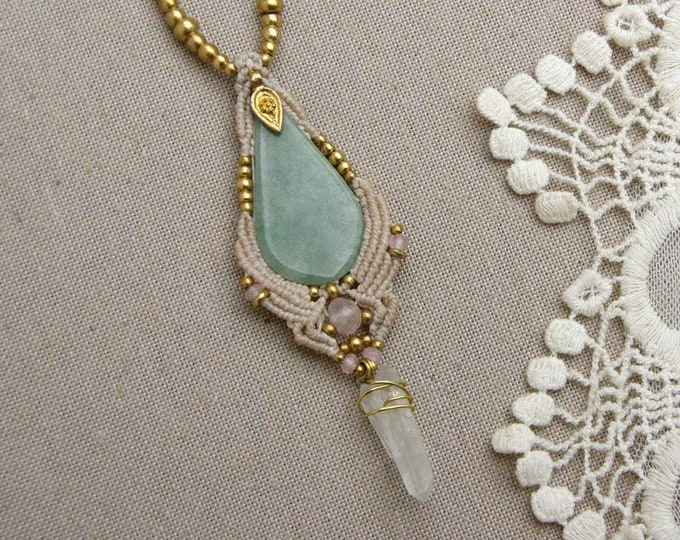 Magic Macrame necklace, JADE necklace and MASTER QUARTZ, fairy jewelry, macramé pendant, tribal jewelry, pendant macrame beig, nickle free