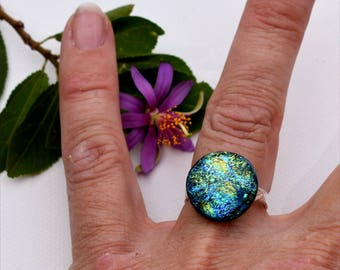 096 Fused dichroic glass ring, adjustable, silver plated, round, green, yellow, bubble