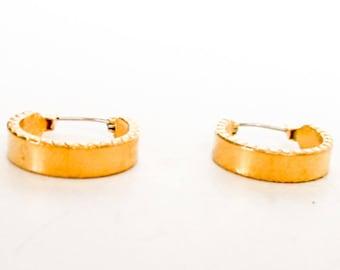 Gold Edged Hoop Earrings    Gold Tone  Pierced Ears