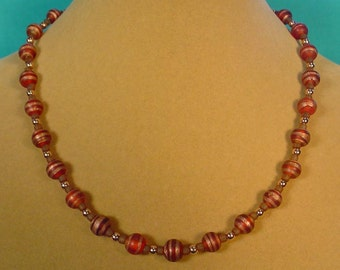 "Very pretty 17"" Matte Glass and Copper Necklace - N386"