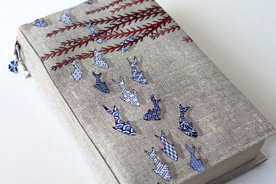 """Adjustable Pocketbook in natural linen illustrated """"Littles fihes azulejos"""""""