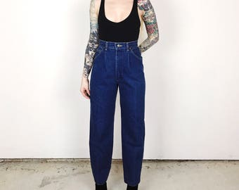 LEE Riders Vintage High Waisted Pleated Relaxed Mom Jeans // Women's size 27 7 8