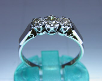Vintage Diamond Trilogy Ring 18ct gold.