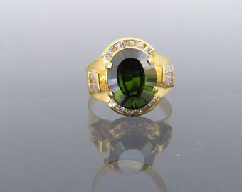 Vintage 18K Solid Yellow Gold Oval Peridot & White Topaz Ring Size 7.25