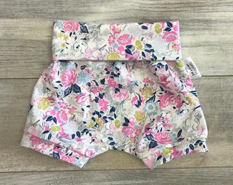 Shorts made by a MOM * floral pastel pink