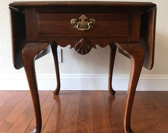 Vintage Queen Anne style drop leaf end table by Wells Furniture Company.