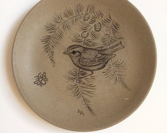 Poole pottery Barbara Linley Adams plate with Sparrow