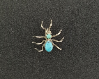 Vintage Black Widow Spider Natural Kingman turquoise lapel pin - sterling silver