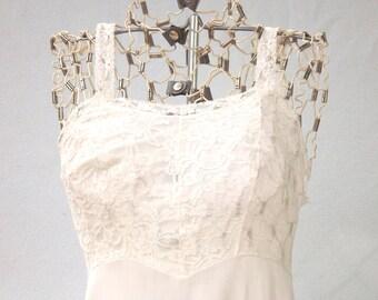 White Slip, White Lace Slip, Vintage Womens Slip, White Full Slip, Size Small 32 B, 32B, Knee Length Slip, Bridal Slip