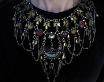 Mughal necklace - antique indian jewelry