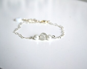 Hearts and white beads chain bracelet