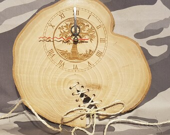 Wall clock in natural wood. wood slice clock, unusual wall clocks, Natrual Wood Clock, Wall Clock