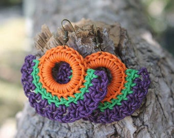 Bohemian and colorful earrings made of waxed cotton
