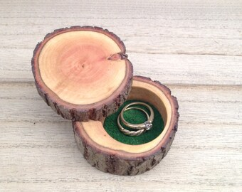 Ring box, log ring box, rustic ring box, wedding ring box, engagement ring box, jewelry box, wooden ring box, natural tree ring box.
