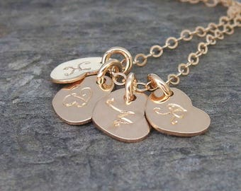 Personalized mom necklace Initial necklace Mothers necklace Gift for mom Mothers day Family initial necklace Personalized Heart jewelry