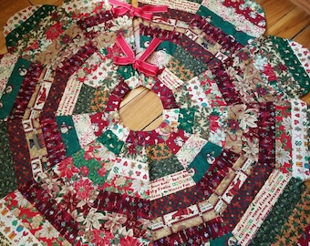 Very Large CHRISTMAS TREE SKIRT Quilted