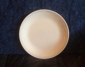 "Corelle ""Blue Lily"" Vintage Dinner Plate"