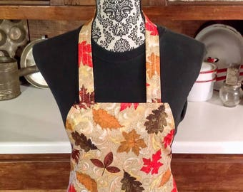Fall Apron with Pocket - Maple Leaves Scroll