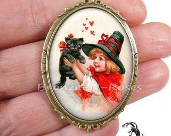 Little witch pin and cabochon black cat Halloween beonze-n-roses