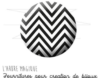 2 cabochons with stick black and white herringbone 1546 glass 20 mm-