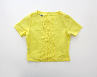 Vintage Blouse // Yellow Nara Camice Eyelet Top with Back Buttoning
