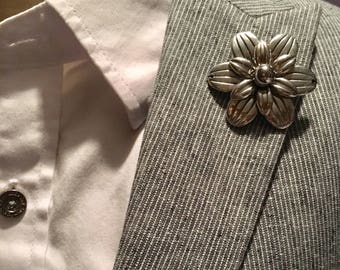 Large Metal Flower Lapel Flower Button
