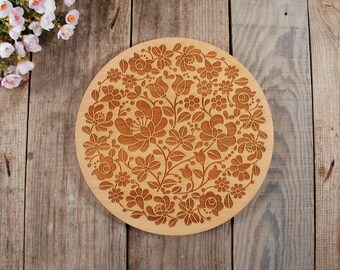 HUNGARIAN FOLK ROUND -  embossed cutting board, wedding gift, Anniversary Gift, Engraved Wooden Chopping Block, Kitchen Decor Hungarian folk
