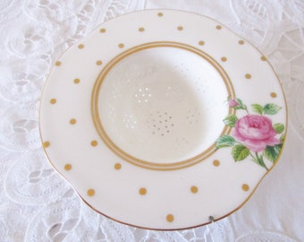 BONE CHINA TEA strainer by Royal Albert, teacup size sieve for loose tea, white and gold with pink rose, stunning, mint condition
