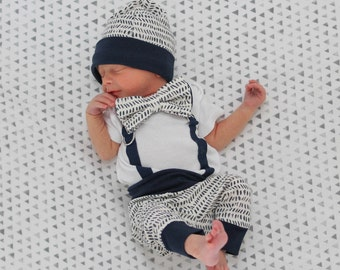 Baby boy coming home outfit in Navy with hat. Newborn clothes for boy. Leggings and beanie. Boho hipster
