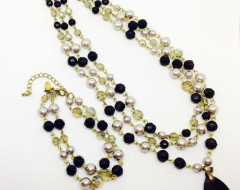 Signed vintage necklace and bracelet vith beads pearles, cristalles aurora borealis and black glass