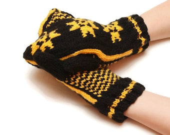 Women knitted mittens - mitten, knit mittens, mitten gloves, mittens made from knitted yarn, mitten banner, winter mittens, warm mittens