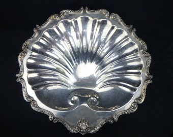 """English Silver Mfg Corp Clam Shell Large Serving Tray Dish 18"""" x 18 3/4"""""""