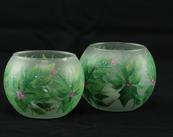 """3"""" Mini Bubble Bowl / Holly And Berries Candle Holder"""