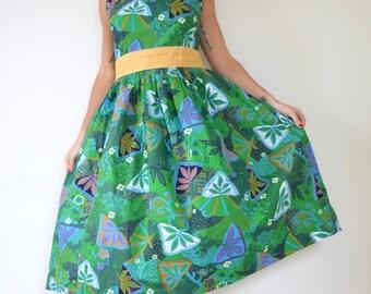 Vintage 50s Tiki Room Crisp Green Hawaiian Print Cotton New Look Button Back Sun Dress (size large)