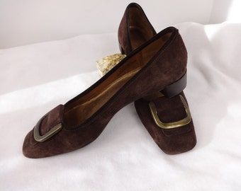 Talbot shoes Brown suede Kitten heel Size 7  1990s Flats w Brass Buckles Casual Dress shoes
