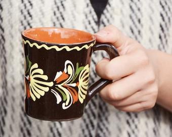 Set of 6 Vintage folk mugs / vintage cups
