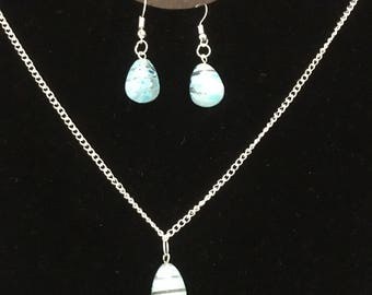 Baby blue daisy glass necklace set