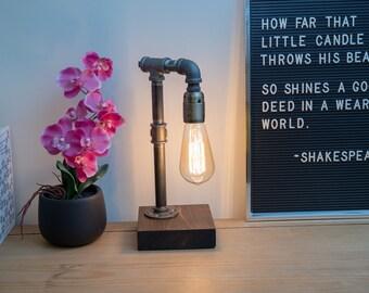 Industrial lamp/Edison Lamp/Pipe Lamp/Steampunk Pipe lamp/Rustic Decor/Industrial Lighting/Table Lamp/Lighting/Home Decor/Steampunk/Lamp