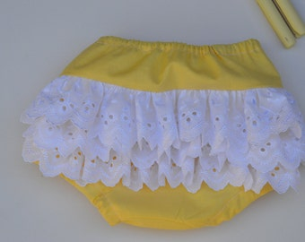 Yellow ruffle bloomers with three rows of lace, baby gift, frilly bloomers