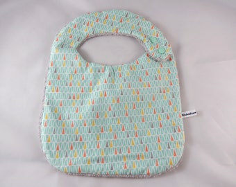 The graphic pattern child baby bib