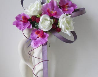 Original bridal bouquet white and purple