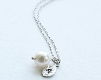 Pearl with Personalized Initial Silver Leaf Necklace, Personalized Gift, Swarovski Pearl and Custom Initial Leaf Necklace, Bridesmaid Gift