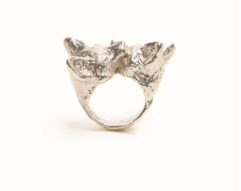 Nuzzling Foxes Ring