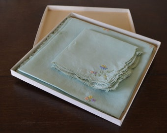 Vintage embroidered floral card table cloth and 4 napkins in original box, table cloth, bridge cloth