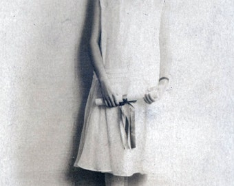 vintage photo 1923 Flapper Teenage Girl Lohrinne Graduates w Diploma RPPC