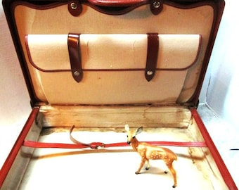 Vintage Stylite Large Leather Suitcase, Handsome Camel Brown Leather, Tarnished Brass Hardware, Inside Compartments, Staging Prop, Decor
