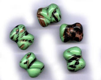 vintage aventurine ART GLASS beads, green black aventurina bone shape 17mm x 14mm beads SIX unusual beads