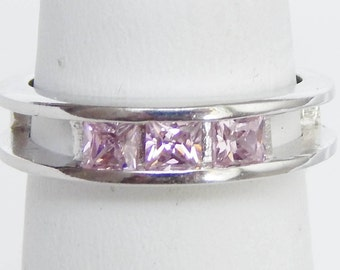 925 Sterling Silver Ring With Pale Pink Crystals - Size 4.75-5